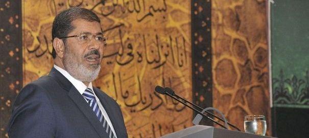 Egypte: le président Morsi lâche (un peu) de lest