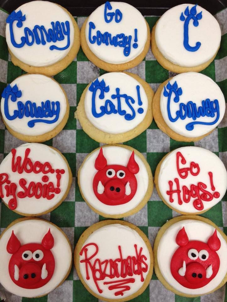 PattiCakes Bakery | patticakesbakery.net | Sweet Sports | Wampus Cake and Razorback Cookies