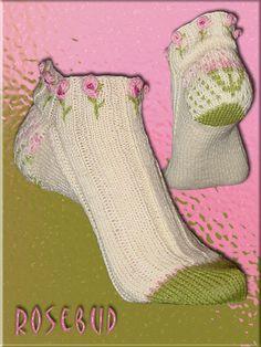Rosebud Socken by Christine Kapica