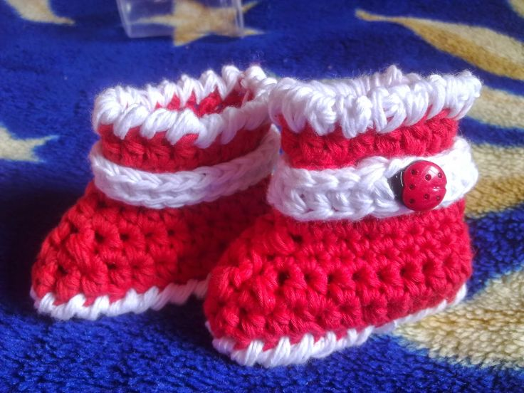 Hainute copii tricotate si crosetate la comanda: Cizmulite crosetate