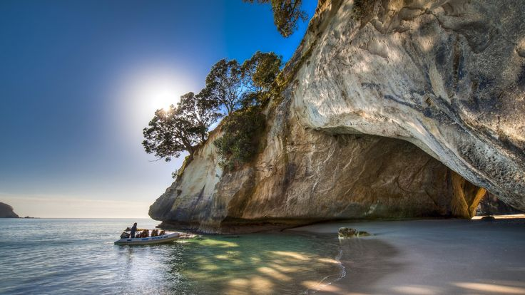 Cathedral Cove - New Zealand 🚣 wallpaper