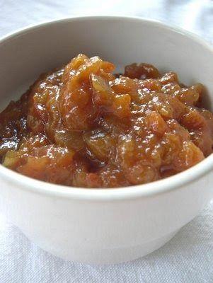 Hace unos meses incursionamos en el tema de los chutney, esas salsas picantonas con consistencia de mermelada, para acompañar distintos tip...