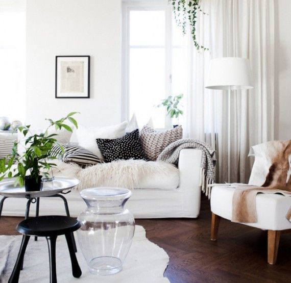 Black and White Interiors on http://www.brightboldbeautiful.com