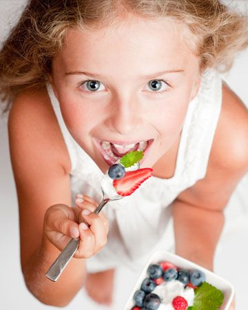 How can foods affect your child's behavior? Find out which foods are best to help calm hyperactive kids or kids with ADHD.