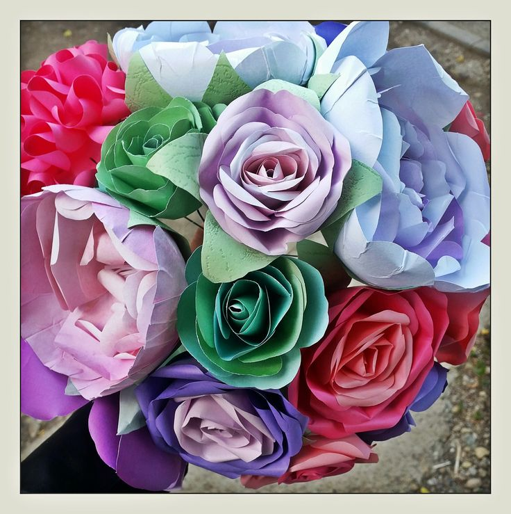 Bringing life to paper is my superpower :P #paperflowers #paperroses #papersucculents #paperpeony #paperbouquet #bridal #papercrafted #alinapapercrafted #vibrantcolours #cardstock #DIY #paperoneyear anniversary