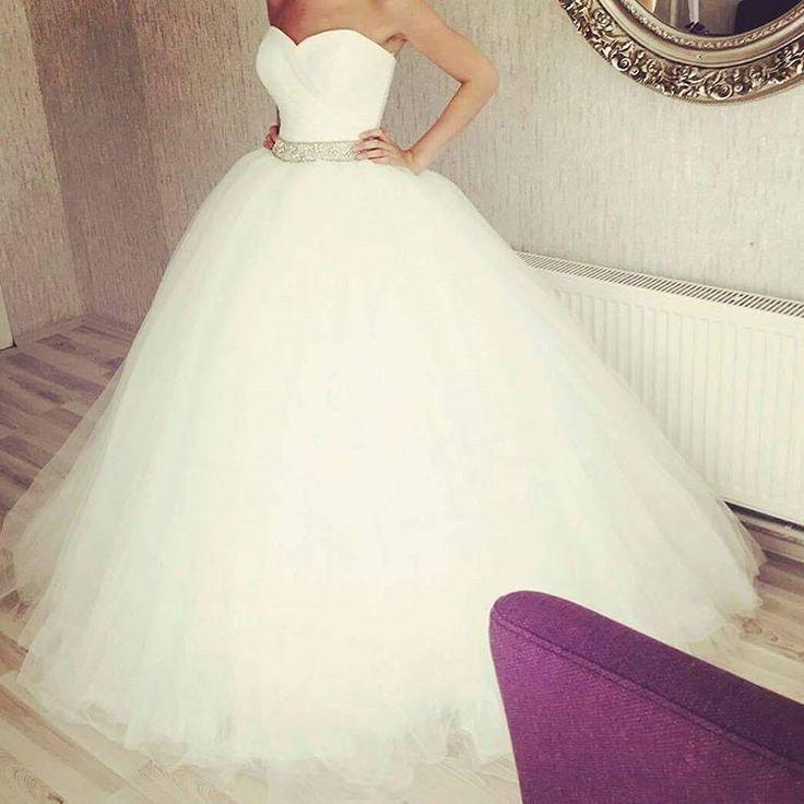 #gelinlik #abiye #nisanlik #abiye #2017gelinlikmodelleri #wedding #gelindamat #weddingday #instawedding #istanbul #turkey #weddinggovn #fashion #modaevi #kınalık #düğün #weddingdress #bridge #brides #çekmeköygelinlik #duvak #follow #gelinlikmodeli #houtecouture http://turkrazzi.com/ipost/1524549956827834497/?code=BUoShu7D2iB