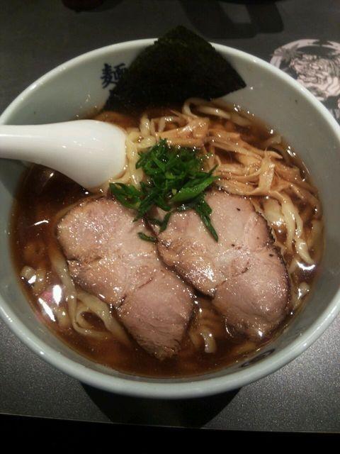 『らー麺』麺屋武蔵 虎嘯のレビュー | ラーメンデータベース