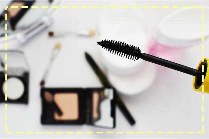 Kilka tricków, które pozwolą Wam mieć rzęsy, jak marzenie: http://www.poradnikzdrowie.pl/uroda/makijaz/malowanie-rzes-jak-malowac-rzesy-i-jak-wybrac-odpowiedni-tusz_34770.html