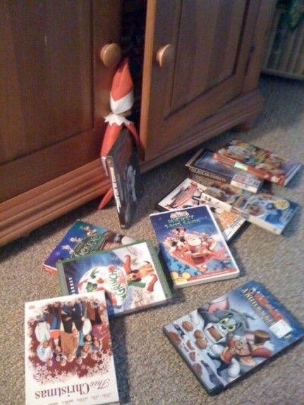 388763 10151023666320525 383521218 n 431x575 20 Elf on the Shelf Ideas with Shopping List and Daily Planner