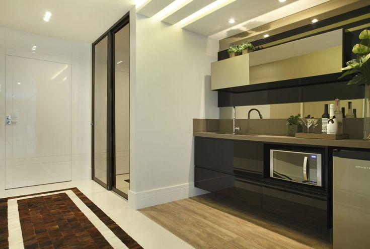 Cozinhas íntimas ou de apoio em casas de sobrados - confira dicas e modelos com essa tendência!