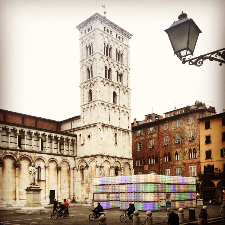 """""""C'è Luce"""", exhibith lighting design Christmas 2015 - Piazza San Michele, Lucca, Tuscany, Italy Concept: Domenico Raimondi - thesignlab Exhibit: Amandla Productions, Scutaro & Figli, Allestend,  Print: Huevo Print"""