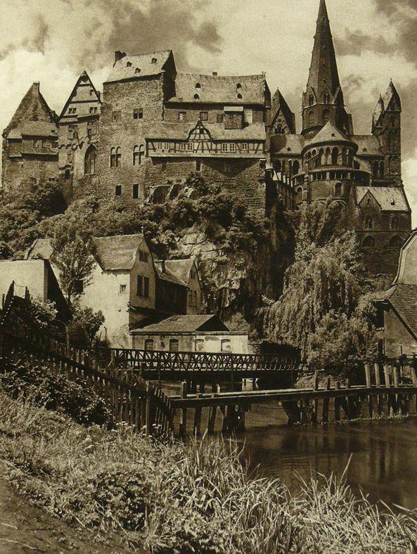 walpurgishalle:  Old Germany