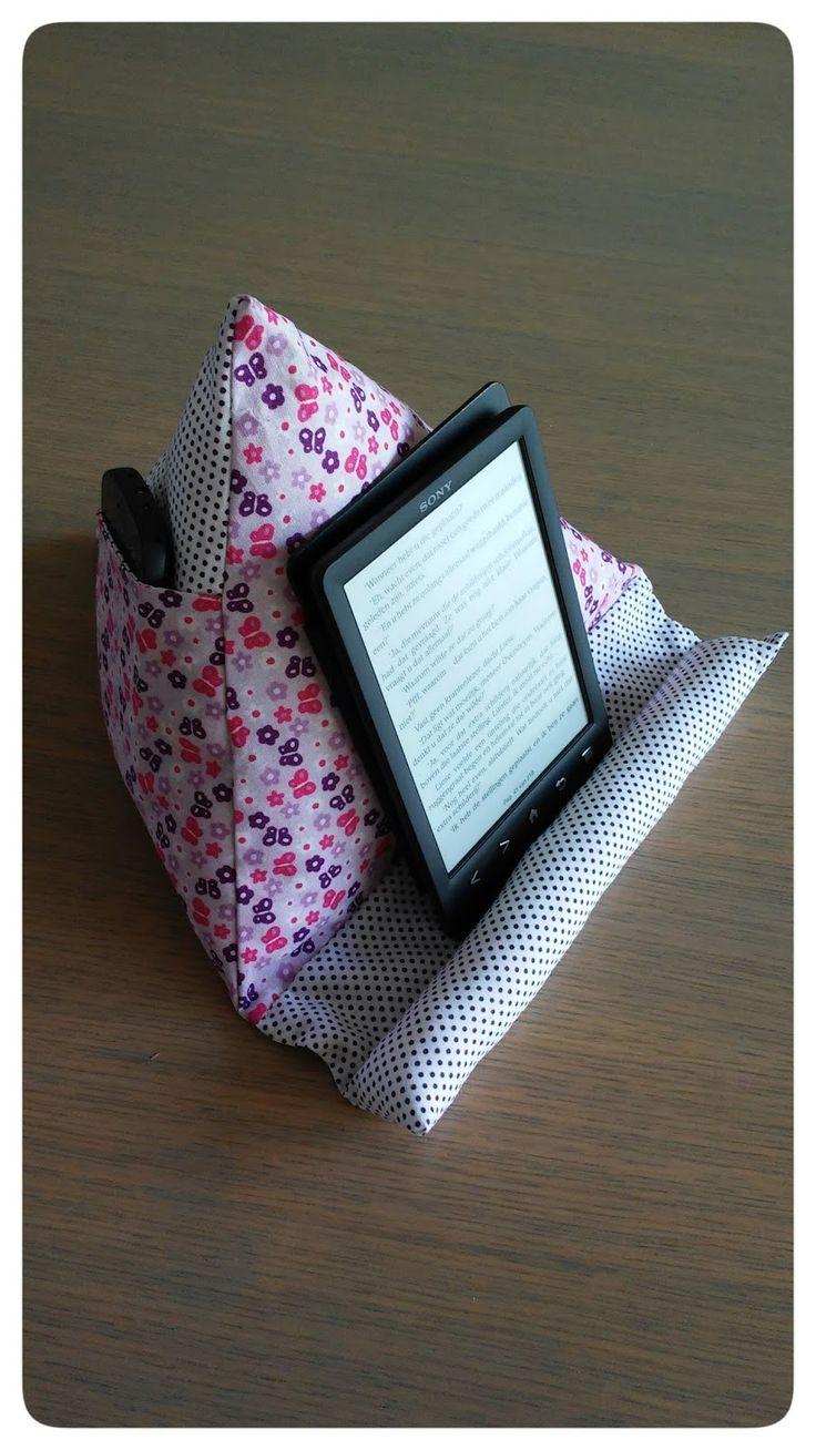 Just Made by Mie: Tablet/boekenpoef in 't Nederlands...  http://3.bp.blogspot.com/-Pba_cAxbva8/VMevBwXmAeI/AAAAAAAAEmk/d7F0vb_R9FM/s1600/Janne%2BCaytan.jpg