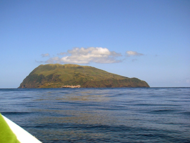 Ilha do Corvo - Açores I saw this, we take the boat from island to island