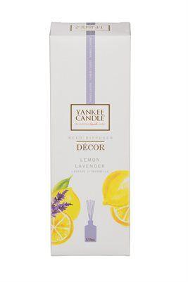 """Decór Reeds- Lemon Lavender NEW 170ml Passa på 25% på månadens doft Lemon Lavender i Juli.  Fräsch och inbjudande. En frisk blandning av syrlig citrus och söt lavendelblom.  Våra mest älskade Yankee Candle ® dofter varar nu ännu längre med vår nya glasvas med 170ml. En snygg glasvas förhöjer inredningen och sprider kontinuerlig väldoft i rum och utrymmen där du vill omge dig med din favoritdoft.   """"Väldoft utan låga"""", dekor-vänlig och även en perfekt present. #YankeeCandle #LemonLavender…"""