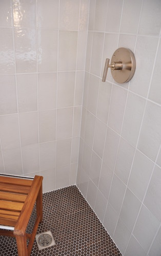 Penny Round Tiles Shower Walls And Glass Tiles On Pinterest