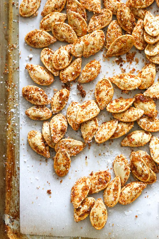 Smoky BBQ Spiced Pumpkin Seeds – a healthy, low-calories snack recipe. Perfect for Paleo diets.