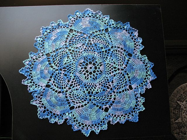 dove doily! I'm almost done with making this in pink :)