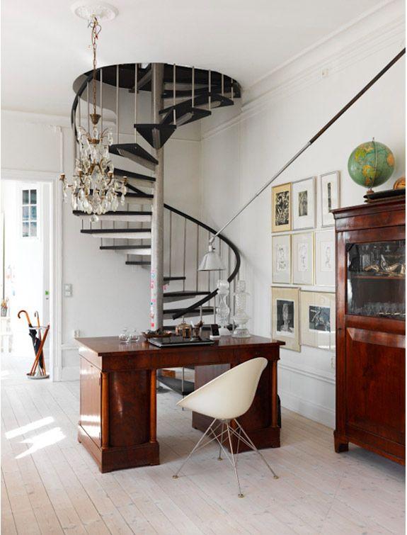 desire to inspire - desiretoinspire.net - KatarinaGrundstomer ///love the desk and chandelier