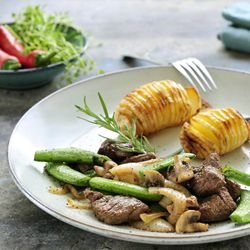 Teriyaki steak with hasselback potatoes