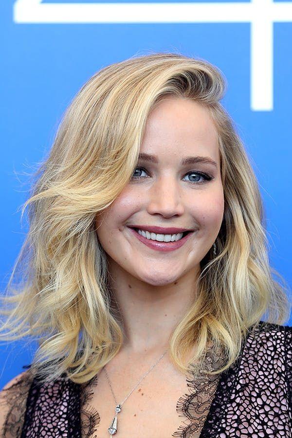 Jennifer Lawrence. The Most Flattering Eyeliner Technique for Your Eye Shape #purewow #tip #eyeliner #eyes #trick #makeup #beauty