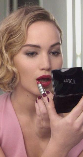 Jennifer Lawrence Wants You to Wear Shiny Lipgloss
