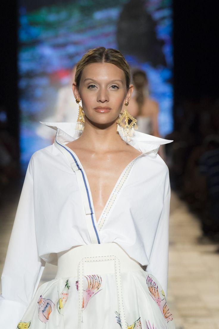 Silvia Tcherassi SS 2017 Deconstructed white cotton shirt.