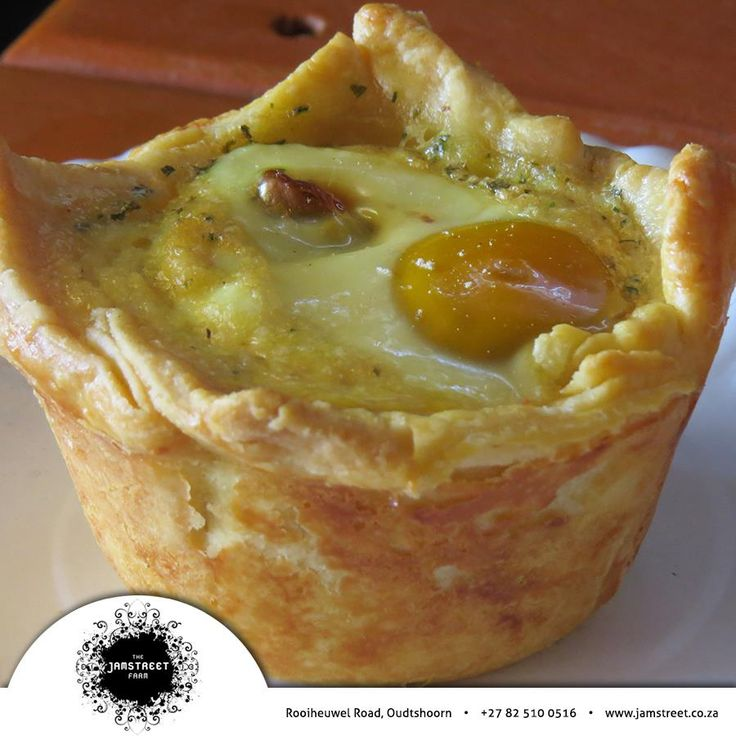 You can't get a breakfast like this anywhere else. Have you tasted the Egg and Bacon Pie's that are sold at the Rooiheuwel Market? Well then you better get down here for market day this Saturday and try the great food, excellent refreshment and exquisite atmosphere. #marketday #oudtshoorn #farmersmarket