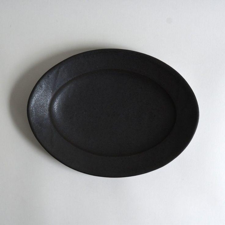岡本純一 - オーバル皿M(黒マット)