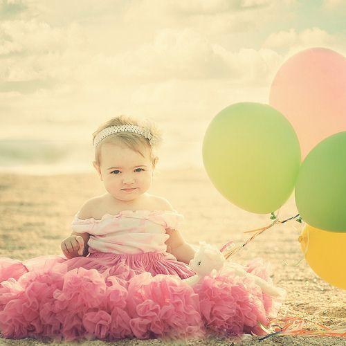 vintage & balloons: 1St Birthday Pics, First Birthday Photo, Photo Ideas, 1 Years, Birthday Pictures, Baby Girls, 1St Birthday Photo, Photo Shoots, Birthday Ideas
