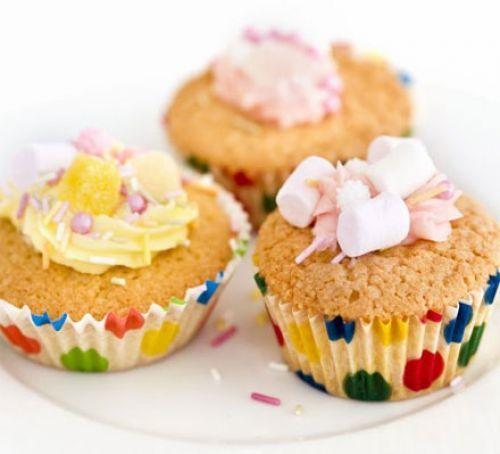 Iced fairy cakes 28 - 5 star