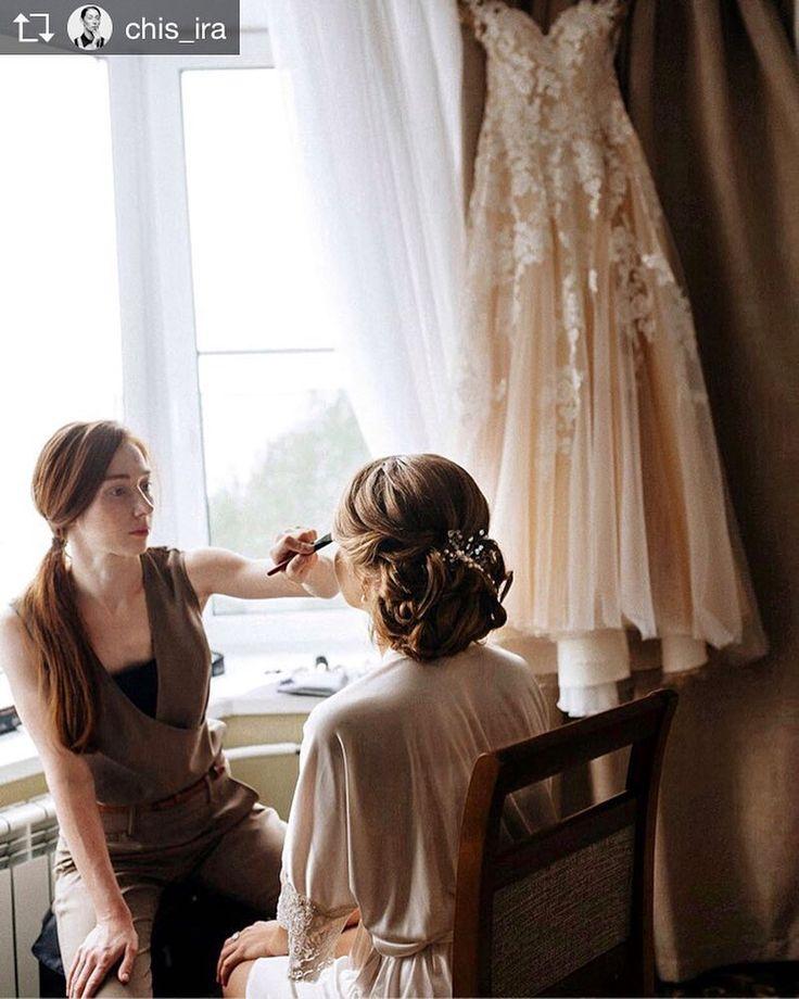 """Repost from @chis_ira В этом году моих невест ждёт новый взгляд на свадебные образы! Кто готов и желает увидеть себя  в """" современном ключе"""" !? Мои милые девушки успевайте бронировать свою дату торжества. Фото от @katherinego_photo; @katherinego ; #bridal #wedding #weddingdress #weddingphotography #makeup #bridalmakeup #makeupartist #makeuppro #face #facevisual #irachis #photoshoot #life #невеста #макияж #красота #свадьба #свадебноефото"""