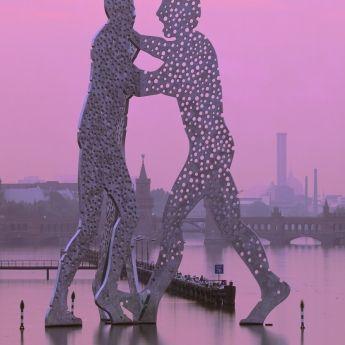molecule man by jonathan borofsky (spree river, berlin)
