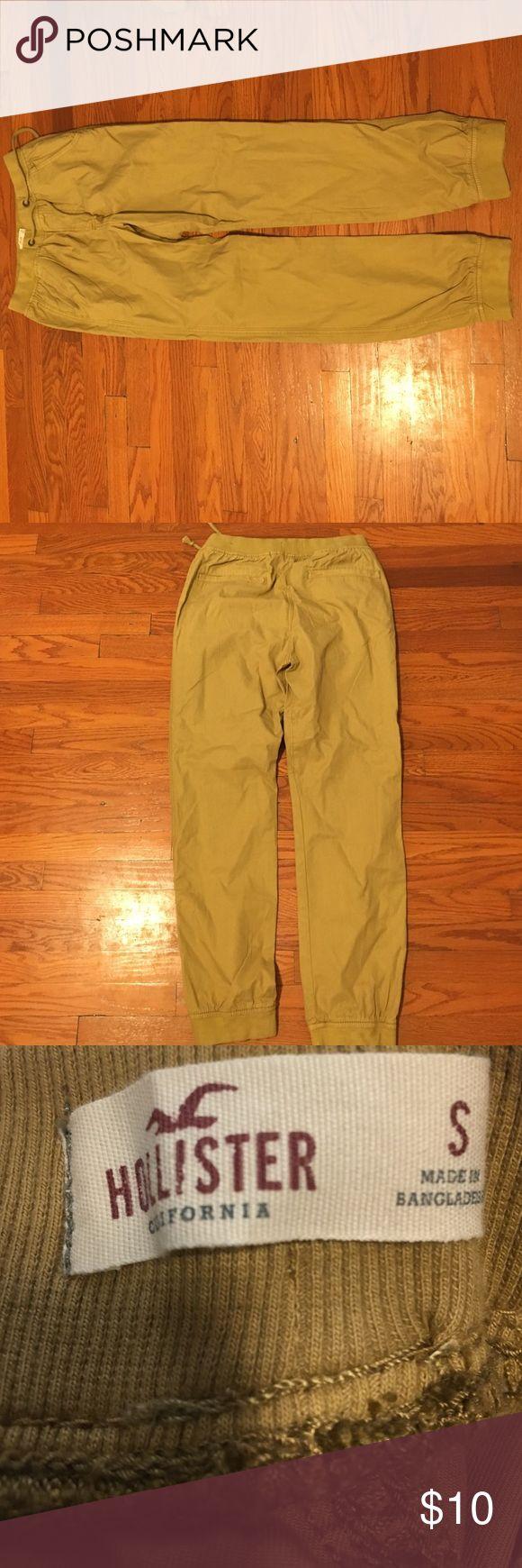 Hollister khaki jogger pants. Elastic raise, cuffed at the bottom, size small Hollister Pants Sweatpants & Joggers