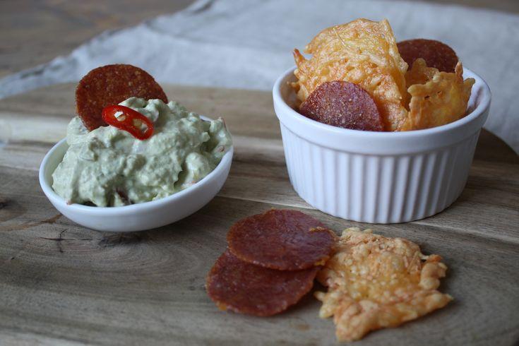 De ideale snack voor in het weekend bij een film is chips met een frisse guacamole dip! Het is snel en super makkelijk om te maken en ook nog eens lekker . Wat wil je nog meer ;)