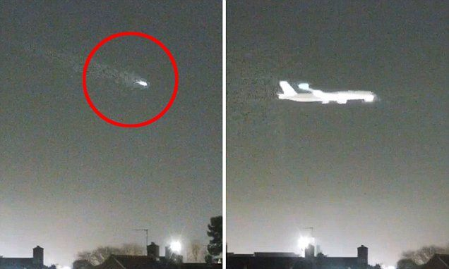 Fast-moving object flashes across Heathrow  seconds before plane lands #DailyMail
