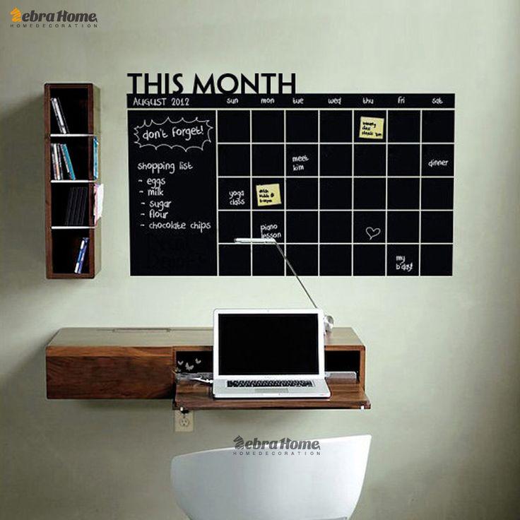 Planning op een krijtbord op de muur