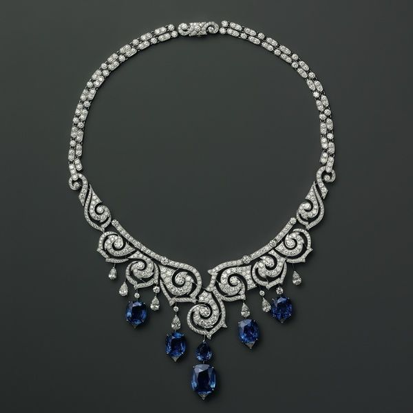Cartier. Platinum necklace with sapphires and diamonds.A VINTAGE BLUE SAPPHIRE AND DIAMOND NECKLACE WITH A MODERN TWIST FOR A POLISHED FINISH LOOK.CHERIE