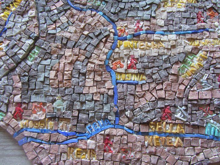 Landkaart Friuli mozaïek gemaakt door Lily van Nunen