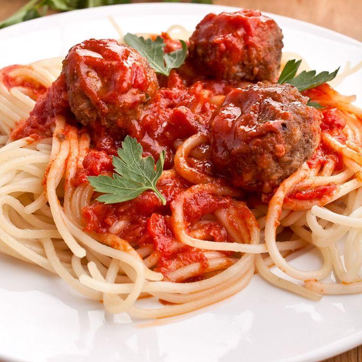 Spaghetti Meatballs  Für meine Kinder und ihre Freunde. Die beiden lieben Spaghetti und Fleischbällchen. Mach ich doch gerne :-)  http://einfach-schnell-gesund-kochen.de/spaghetti-meatballs/