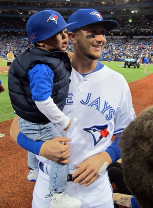 Aawww, Tulo & his son Taz #GoJays