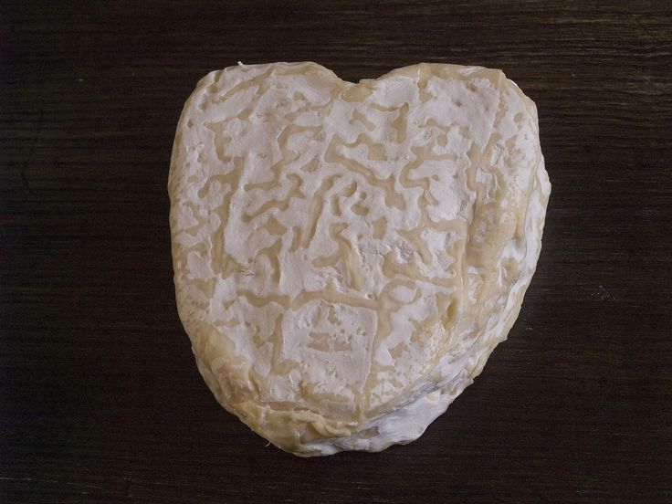 Neufchâtel cheese - Wikipedia