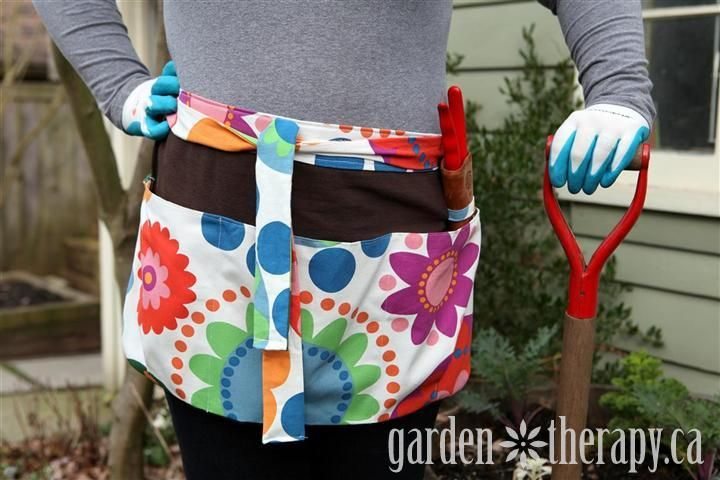 Garden apronDiy Gardens, Summer Bloom, Aprons Pattern, Diy Summer, Gardens Tools, Little Gardens, Gardens Aprons, Bloom Gardens, Aprons Tutorials