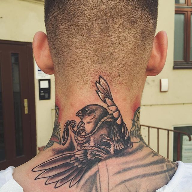 Thanks Bartosz! Brave man! #brave #tattoo #necktattoo #bird #birdtattoo #instadaily #picoftheday #pic #tattooapprenticeship #tattooapprentice #blackwork #apprenticewars #demolka #bydgoszcz #poland #igersbydgoszcz