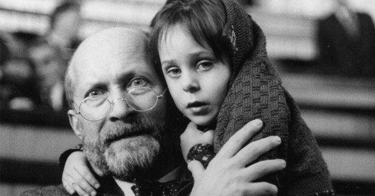 Cum să iubești corect un copil: 10 principii ale celebrului educator Janusz Korczak
