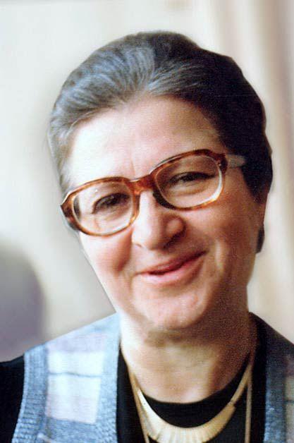 İlhan Ayverdi, İlhan Tolun (d. 24 Ekim 1926, Manisa - ö. 6 Kasım 2009, İstanbul). Türk dil bilimci, edebiyat öğretmeni.  Kubbealtı Akademisi Kültür ve Sanat Vakfı'nın kurucusu ve vefatından önce başkanı idi. Misâlli Büyük Türkçe Sözlüğü hazırlamıştır. Rahmetli Ekrem Hakkı Ayverdi'nin eşiydi.