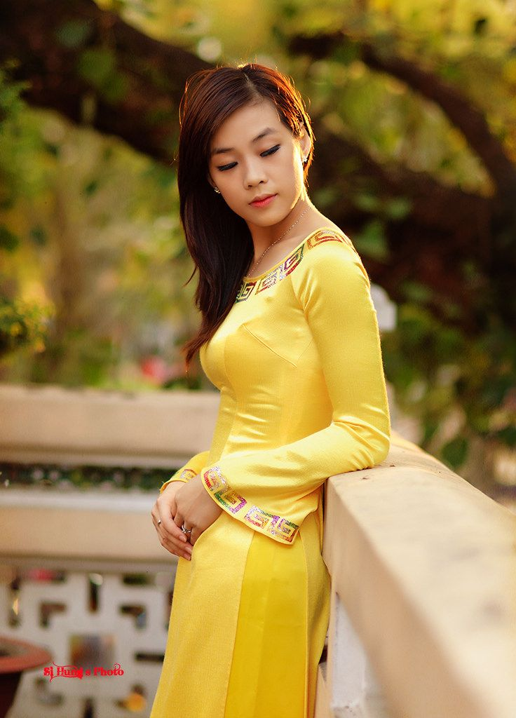 Yellow   ASIAN CULTURE, FASHION, HERITAGE, TRADITION   Áo ...