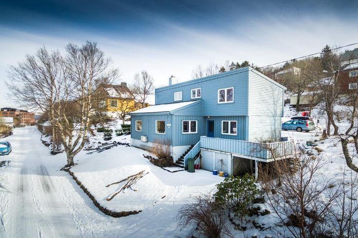 FINN – Arkitekttegnet enebolig med særpreg!* Nydelig utsikt * Nærhet til sentrum