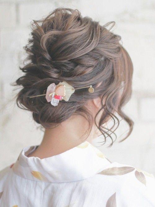 夏の浴衣ヘアはまとめ髪やヘアアクセサリーで印象アップ簡単ヘアアレンジ集