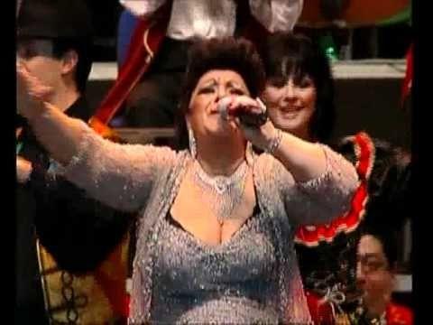 Gypsy song - Bangó Margit-Gyere, táncolj cigánylány, Hosszú fekete haj, Aranyeső - Hungary